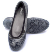 Black Lace/Grey Flats