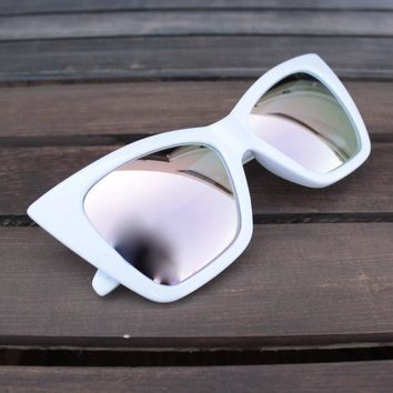 Final Sale   Quay X Shay Mitchell   Vesper Iridescent Sunglasses   White