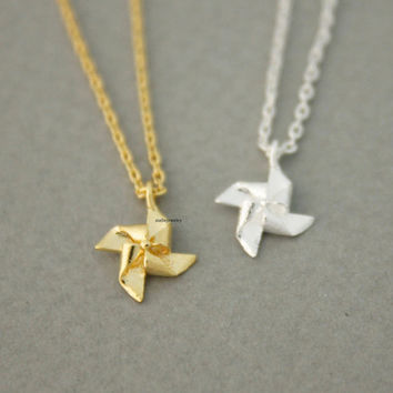 Pinwheel, Windmill pendant Necklace in gold / silver, N0699G