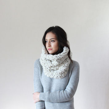 Le Port, large chunky booble cowl - WHEAT