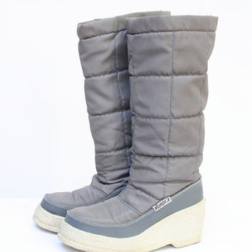 Sale Nordica winter boots vintage 1970's Nordic gray rubber wedge snow boots 6.5