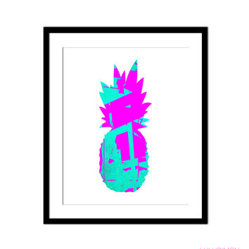 ABSTRACT PINEAPPLE PRINT