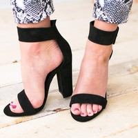 Enticing Notion Buckle Heel - Black