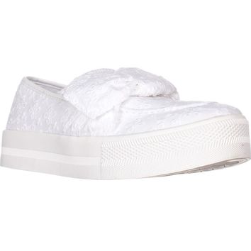 G Guess Chippy Slip-On Fashion Sneakers, White, 8 US