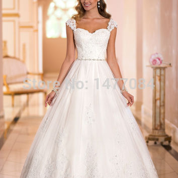 New Sweetheart Chiffon and Satin Spaghetti Straps Ball Gown Wedding Dresses 2015