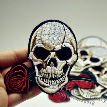 1 PCS Rose Skull Clothes Embroidered Iron on Patches for Clothing DIY Apparel Accessories Garment Sewing Sticker 10.6*9 CM @SS11