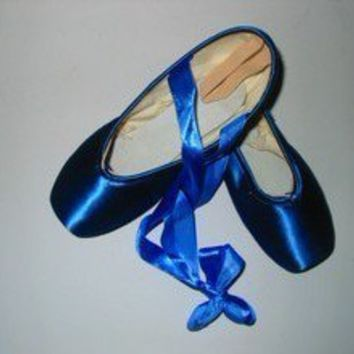 NEW BALLET POINTE SHOES, BLUE  COMES WITH RIBBON Satin US5-9