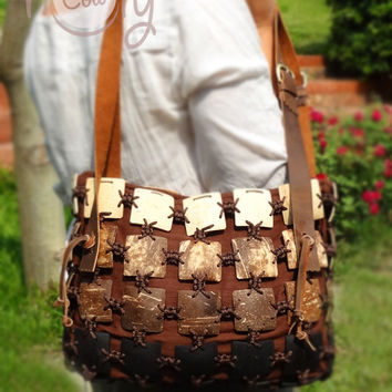 Handmade Coconut Shell Bag With Ajustable Leather Straps