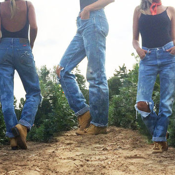 Vintage 1980's Art Attack High Waisted Wrangler Boyfriend Slouchy Distressed Jeans || Ripped Painted Bleached Jeans || Size 27, 28, 29 or 30