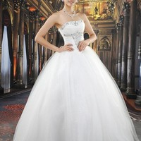 Shinning Ball Gown Floor-length Strapless Wedding Dress: dressesa.com