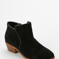 Urban Outfitters - Ecote Festival Ankle Boot