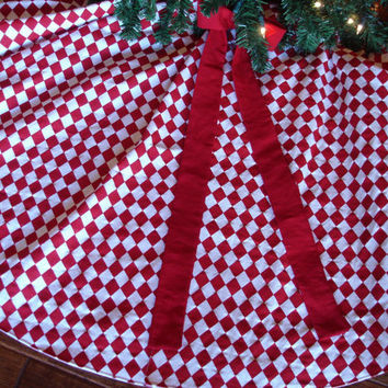 Red and White Christmas Tree Skirt Harlequin by KaysGeneralStore