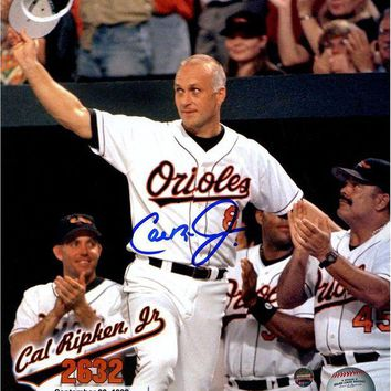 NOVO5 Cal Ripken Jr Signed 2632 Wave to Fans Vertical 8x10 Photo w/ Text Overlay Signed in Blue MLB Auth
