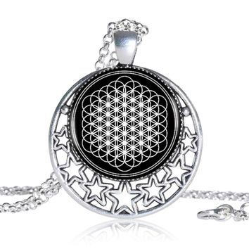 Flower Of Life Pendant Necklace Crescent Moon Shape Vintage Silver Chain Choker Statement Necklace Women Jewelry Friend Gift