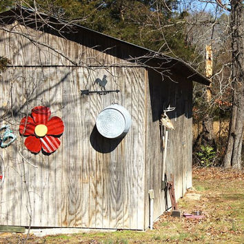 Garden Decor / Deck Decor / Patio Decor / Wall Flower / Metal Flower / Outdoor Art / Wall Art / Metal Wall Art / Cabin Decor / Wall Decor