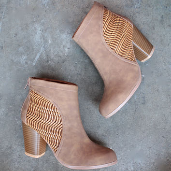 shaking it off ankle boot in weathered tan