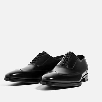 LEATHER WING TIP SHOES DETAILS