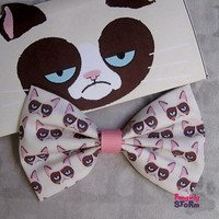 Grumpy Cat - Hair bow/ Bow tie Handmade unique kawaii Geeky Fabric Bow