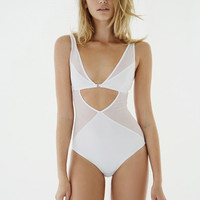 Effortless White Body Triangle
