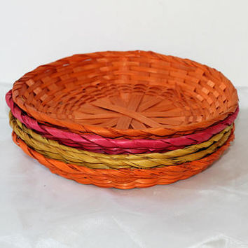 Picnic Plate Holders Set 5 Straw / Rattan / Wicker Picnic Supplies Colorful Pink , Yellow , Orange  | Paper Plate Holders Multicolored