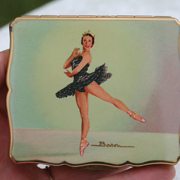 FREE SHIPPING Rare Nadia Nerina Ballet Ballerina 1950s Musical Stratton Vintage Powder Compact and signed picture