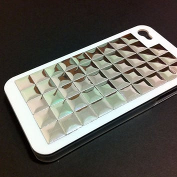 Iphone 4 / 4S white hard case with silver hotfix silver by CRISION