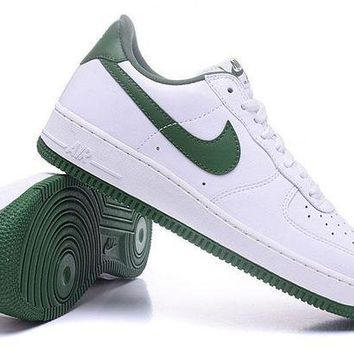 DCCKU62 Nike Air Force 1 One Classic White / Green Low Running Sport Casual Shoes 845053-101 Sneakers