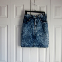 Vintage Denim Skirt, Denim Mini Skirt, Acid Wash Denim Jean Skirt, Womens Misses Juniors Size 9, Made in USA, Grunge