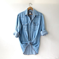 vintage 80s WRANGLER washed out denim jean shirt. pearl snap button down shirt. oversized pearl snap western shirt.