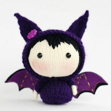 Halloween Bat Doll. Knitting pattern (knitted round).