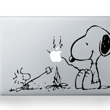 Snoopy---Macbook Decal Mac book Stickers Macbook Decals Apple Decal for Macbook Pro / Macbook Air / iPad / iPad2 / ipad3/ iPhone 4/4S