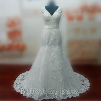 Real Pictures Sexy V-neck Wedding Dresses with Sash and Appliques Bridal Gowns with Train Custom Made Plus Size