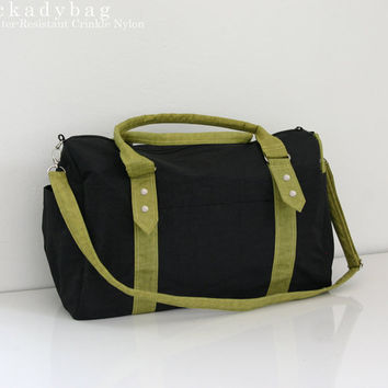 SALE Gym Bag / Messenger in Black & Green Water-resistant Nylon / Diaper bag / Carry on Tote, Travel, Beach, Workout, Duffel, Shoulder bag