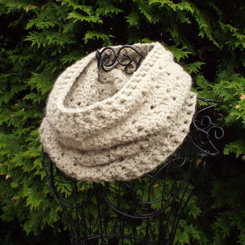 Oatmeal Cowl - Womens Crochet Neck Warmer - Ladies Circle Scarf - Chunky Scarf in Beige