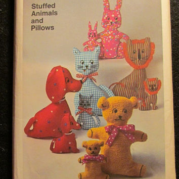 Sale Uncut 1970's Simplicity Sewing Pattern, 9098! One Size Transfer Patterns, Stuffed Animals/Pillows, Home Decor, Kids Room, Toys/Cats/Dog