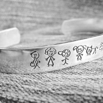 Stick Family Cuff Hand Stamped Bracelet Aluminum Dad Mom Girl Boy Baby Dog Cat Custom Made For Your Family