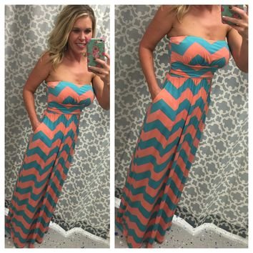 Chevron Pocket Maxi Dress: Peach
