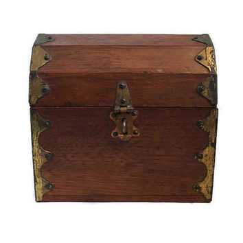 Pirate Treasure Chest, Wood Treasure Chest, Treasure Chest Jewelry Box, Treasure Chest Trinket Box