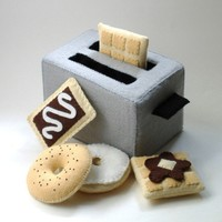 Felt Food  - Toaster PDF Pattern (Toaster, Bagel, Cream Cheese, Toaster Pastry, Waffle, Syrup and Butter)