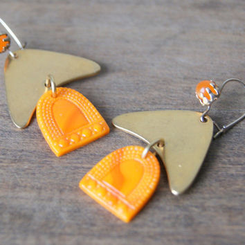 Geometric Earrings - vintage orange glass - vintage brass triangles - vintage goldtone earwires - boho chic - Autumn Fashion