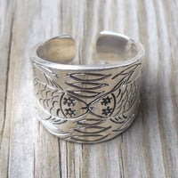 925 Sterling Silver Fishes Ring Size 8.5