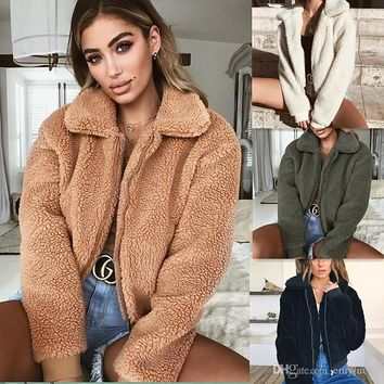 Winter Fashion Fuzzy Short Coats for Women Fashion Lapel Neck Zipper Cotton Coats 5 Colors Furry Slim Fit Outerwears