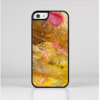 The Grungy Golden Paint Skin-Sert Case for the Apple iPhone 5c