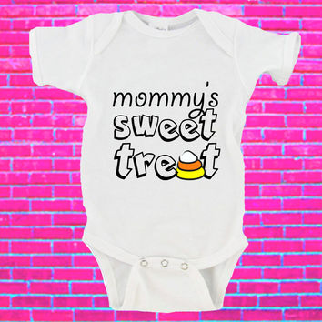 Mommy's Sweet Treat Halloween Gerber Onesuit ®