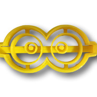 Eye with glasses cookie cutter (1)