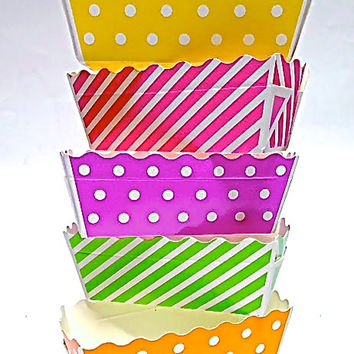 Mini Fun Food Tray, 24 Paper Snack Box Holder, Small Food Safe Appetizer Candy Boxes for BBQ Party