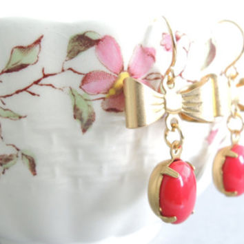 Red Vintage Glass Earrings Vintage Milk Glass Lipstick Red Candy Red Golden Bow Earrings Small Red Dangles Vintage Red Glass Drops