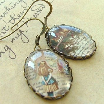 Alice's Adventures In Wonderland Grinning by JezebelCharms on Etsy