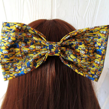 Minion hair bow / Minions / despicable me / despicable me hair bow / Minion / disney hair bow / disney bow / gru and minions / minion clip