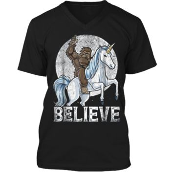 Bigfoot Riding Unicorn Funny Sasquatch Vintage Tees Mens Printed V-Neck T